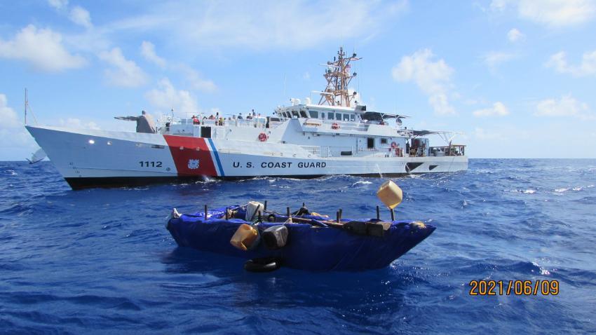 Guardia Costera de Estados Unidos repatria a Cuba a 59 balseros cubanos