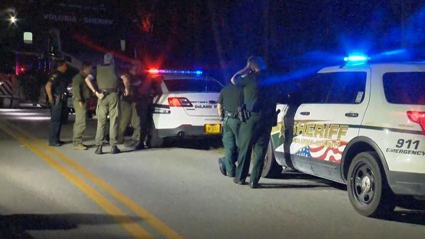 Adolescentes de Florida de 12 y 14 años disparan contra policías con rifles AK-47 tras atrincherarse en una vivienda