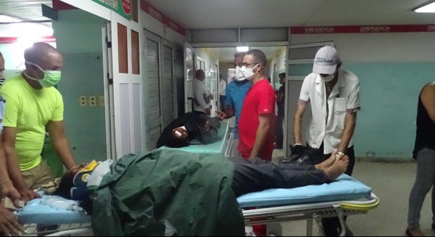 Una persona muerta y 25 lesionados en un accidente masivo en la periferia de la ciudad de Cienfuegos