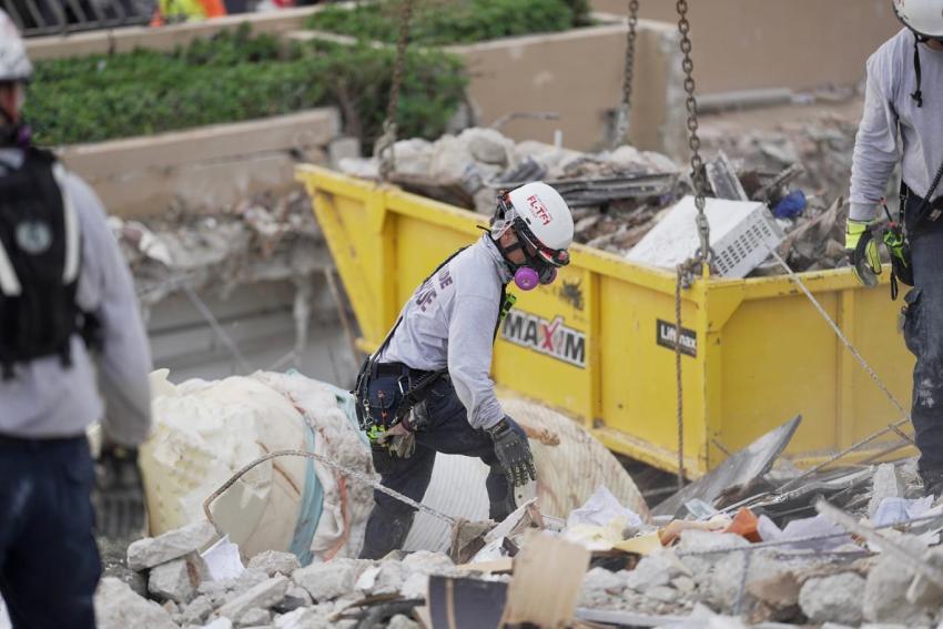 Rescatistas encuentran 10 cuerpos subiendo el número de fallecidos a 46 en el colapso del edificio en Surfside