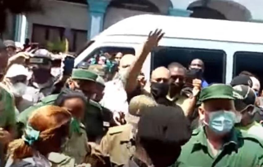 Cubanos expulsaron a Ramiro Valdés de las calles llamándolo asesino