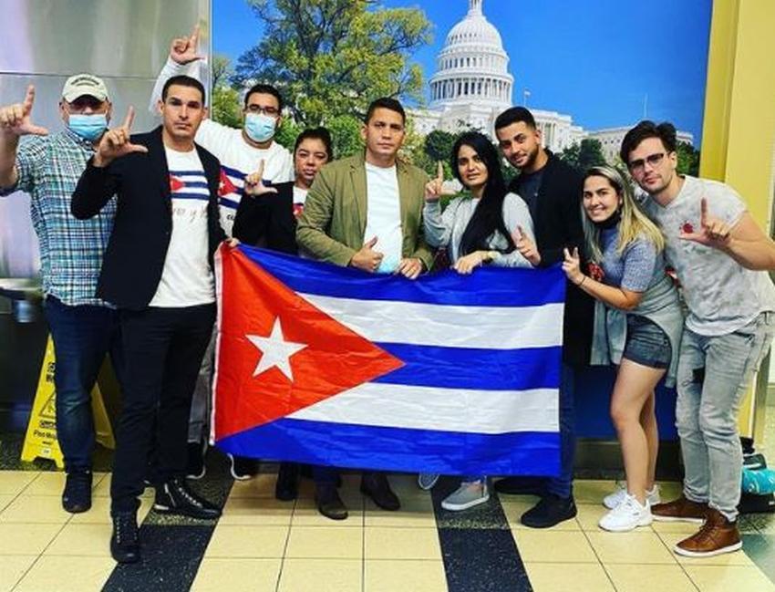 Eliecer Avila se dirige a Washington DC para pedir a la administración Biden una intervención en Cuba