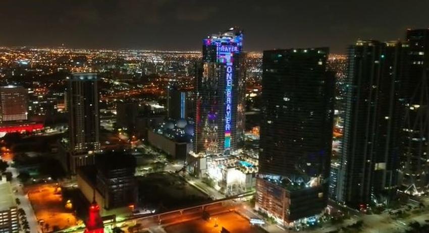 Rascacielos de Miami se iluminará cada noche con banderas de varios países hasta que encuentren a los desaparecidos en Surfside