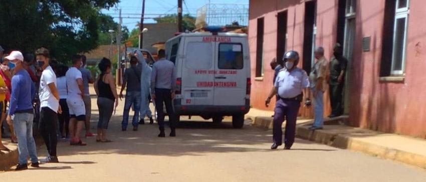 "Gritos de horror frente al policlínico de Alquízar, Cuba: ""¡Me lo mataron!"""