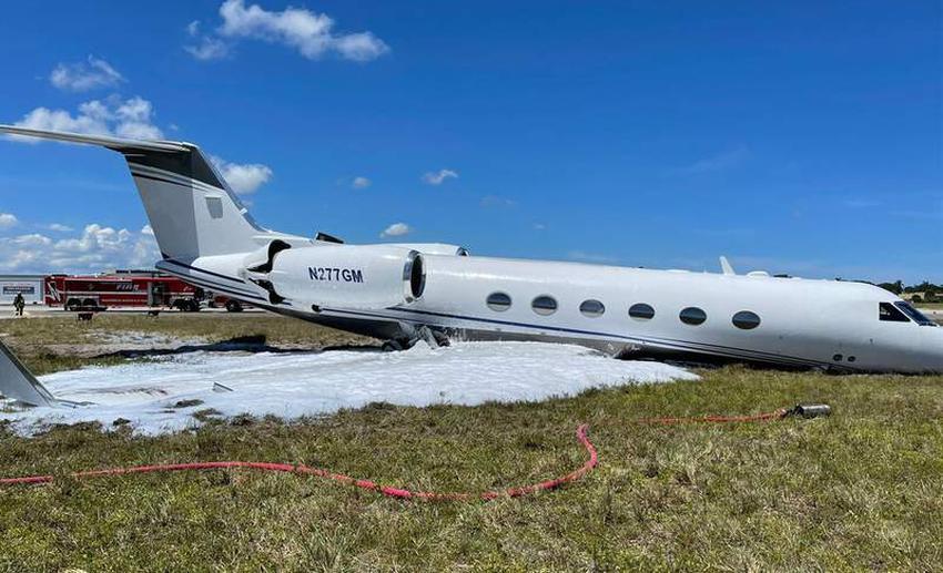 Avión se sale de la pista en el Aeropuerto de Fort Lauderdale tras sufrir problemas técnicos