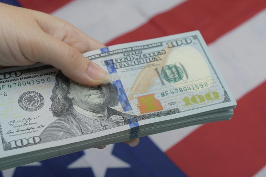 """Gobierno de Cuba """"llora"""" por las remesas de Estados Unidos"""
