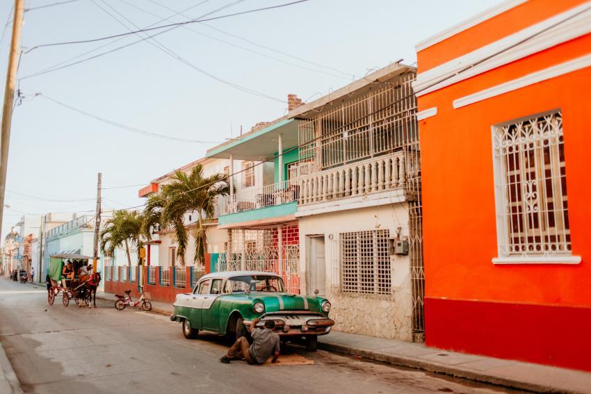 Cocheros y taxistas asumen la transportación de enfermos en un pueblo de Holguín debido a la ineficiencia del gobierno
