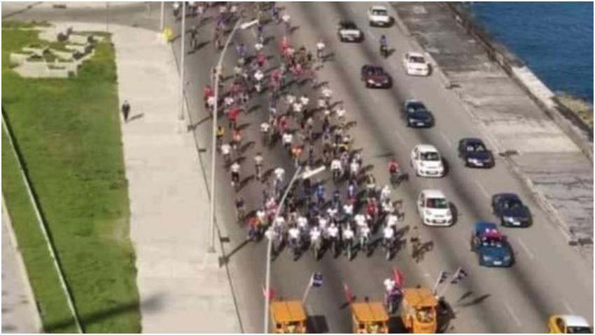 Video de la caravana comunista convocada por el régimen demuestra el poco poder de convocatoria que tiene la dictadura