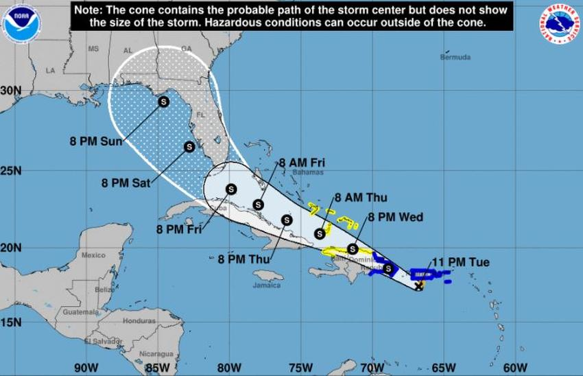 Se forma la tormenta tropical Fred cerca de Puerto Rico y Florida sigue en el cono de trayectoria