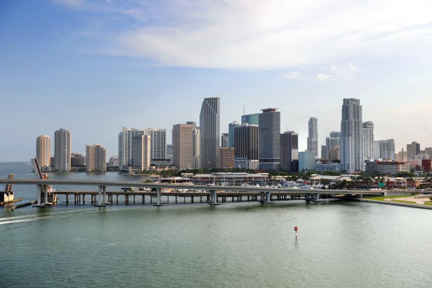 Emisora de televisión quiere poner su sede en Miami-Dade con 250 empleos que tienen salario promedio de 150 mil dólares