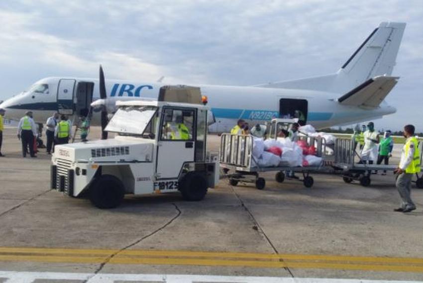 Llega a Cuba primer vuelo con ayuda humanitaria procedente de Miami