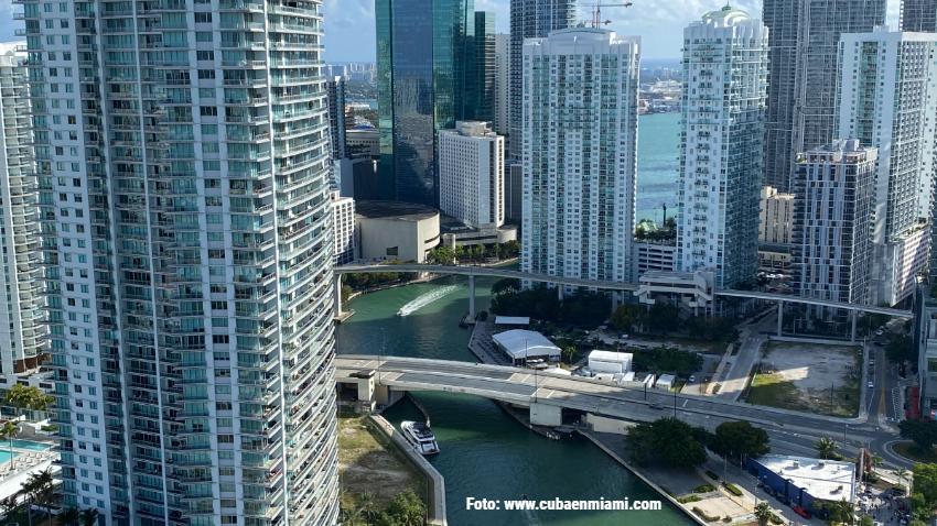 Planes para construir otros tres rascacielos en la zona del río Miami