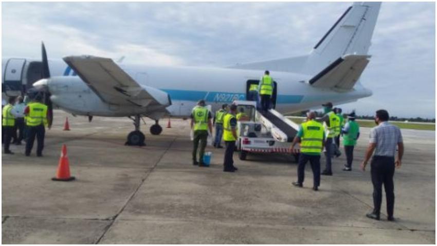 Llega a Santiago de Cuba avión con ayuda humanitaria desde Miami